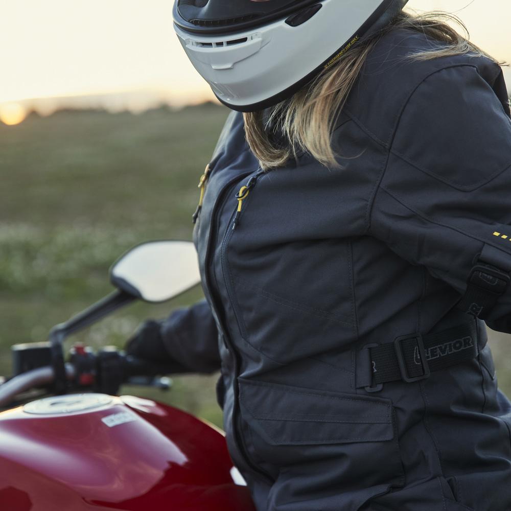 02-img-levior-chaqueta-de-moto-mujer-gaman-woman-wp-life-style