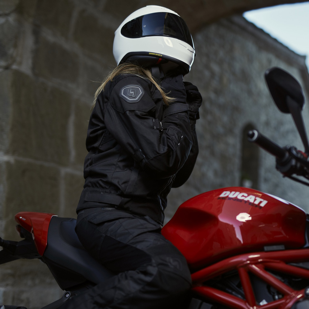 08-img-levior-chaqueta-de-moto-verano-mujer-imbat-woman-life-style